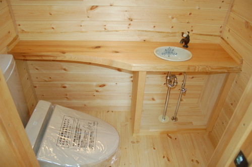 2階トイレの洗面カウンター