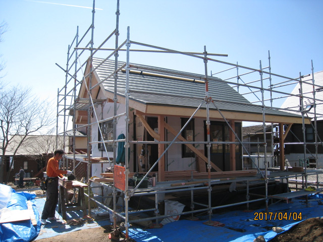 OJ様邸は屋根葺き中です。