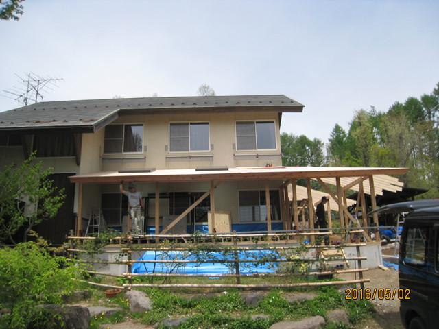 SJ様邸屋根下地施工中です。