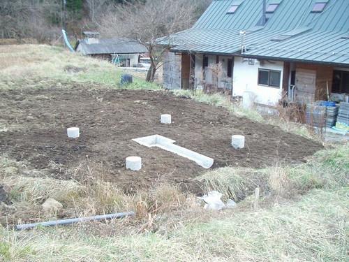12/12/2012 五風十雨農場小屋基礎完成