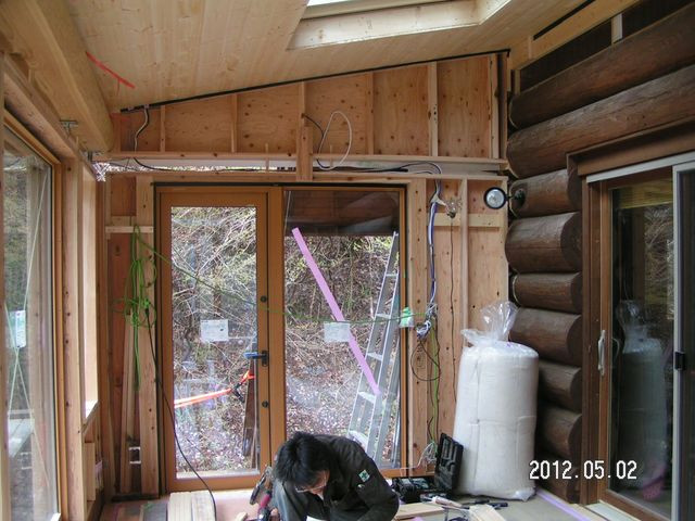 2012/05/02 北杜市TT様邸サンルーム増築工事、室内壁施工中