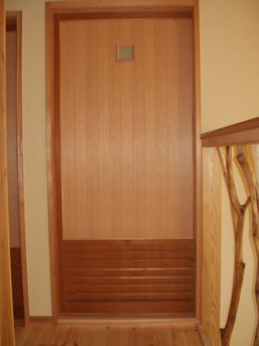 2階寝室入り口扉