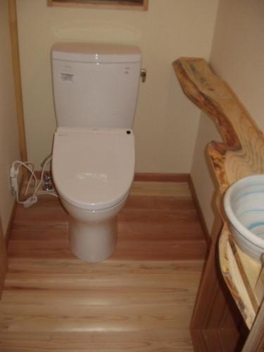 女性用トイレ内部